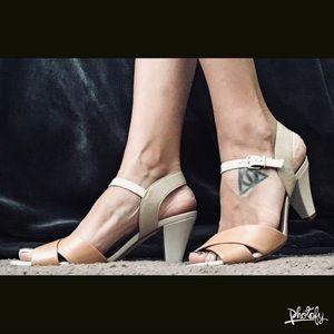PRICE DROP Antonio Melani Heels